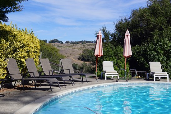 Cloverdale, CA: Pool with valley vistas