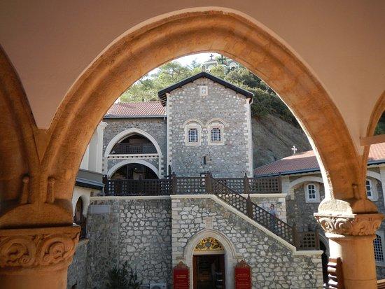 Pedoulas, ไซปรัส: монастырь Киккос