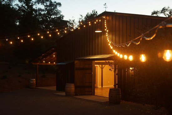 Cloverdale, CA: Wedding Barn w/market lights