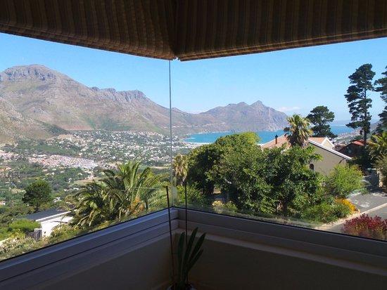 Villa Montebello: Magique!! plus près en vrai.. Ce bleu nous a envouté