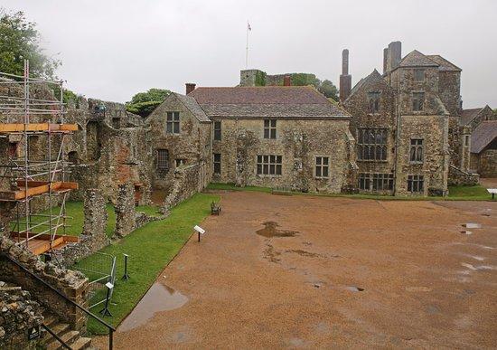 Newport, UK: Carisbrooke Castle