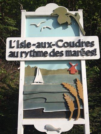 Saint-Louis-de-L'Isle-aux-Coudres, Canada : Arrivée à l'ile aux Coudres (traversier gratuit)