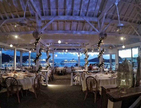 Banana Tree Grille: Great ambiance with a modern touch