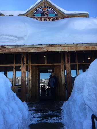 Heber City, UT: Snowed in shop, and restaurant, fun!