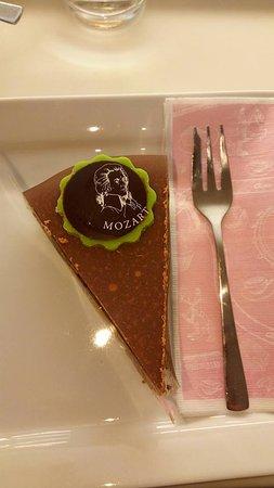 Cafe-Konditorei Aida: Cake Mozart