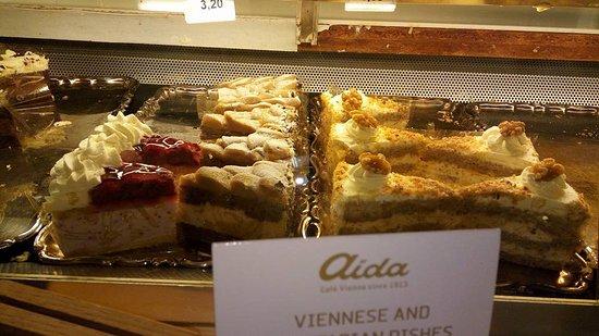 Cafe-Konditorei Aida: Aida