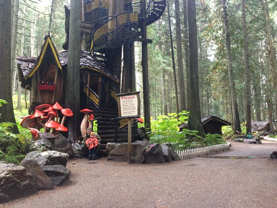 Revelstoke, Canadá: Special day with Daddy at Enchanted Forest