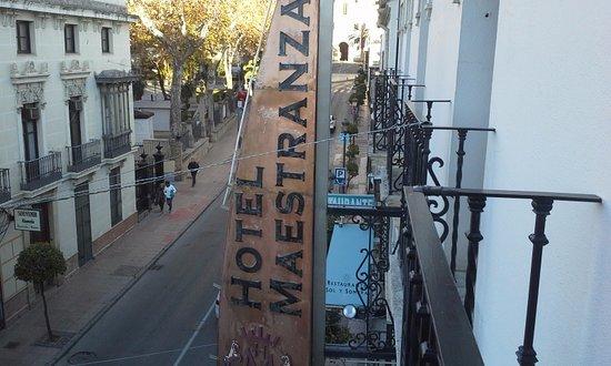 Hotel Maestranza: Otra vista desde la habitación en el segundo piso