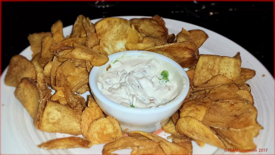 Coral Springs, FL: Home Made Chips and Dip were outstanding.