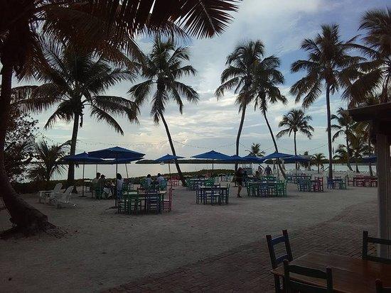 Morada Bay: Sand dining