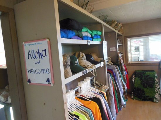Kealakekua, Havaí: Sure you can load up on tourist items-priced just right.