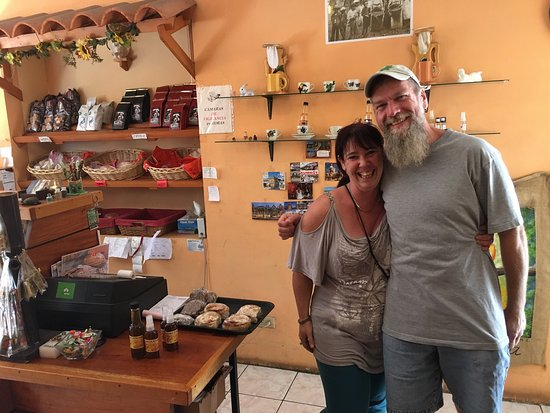 Orosi, Costa Rica: Francisca is the friendliest baker in town