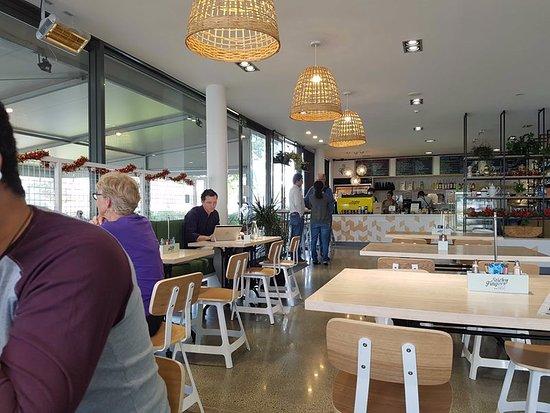 Albany, นิวซีแลนด์: Nice atmosphere, music & food!