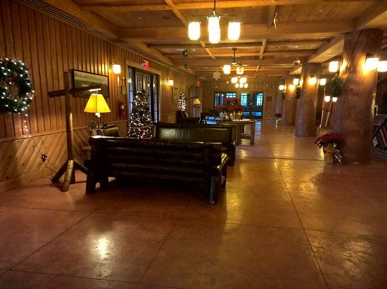 Bear Mountain, NY: Hotel Reception Area