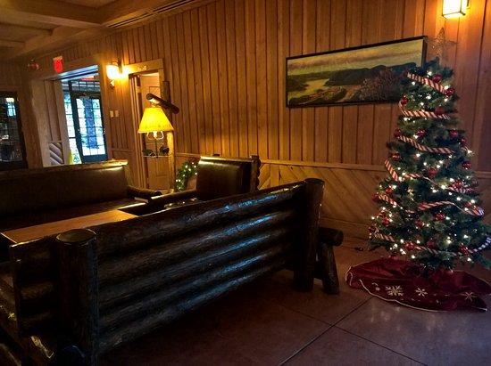 Bear Mountain, NY: Hotel Reception Area