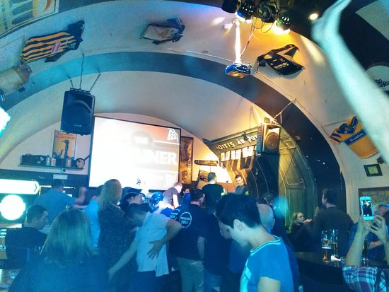The Dubliner Irish Pub: Altas horas de la noche
