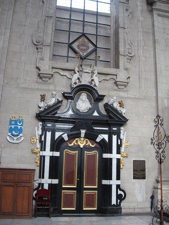 Grimbergen abbaye, porte latérale