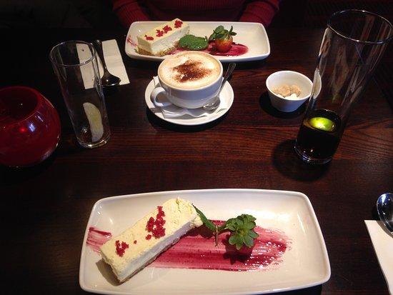 Kidlington, UK: Vanilla Bean Cheesecake served with a raspberry sugar crunch.
