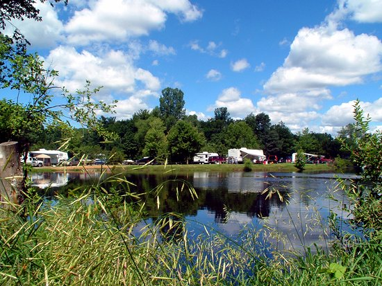 Montello, WI: Lake Arrowhead is a 2.5 acre privately-owned fishing pond.