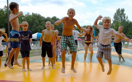 Montello, WI: Hop on the Jumping Pillow, included for no extra cost with your stay!