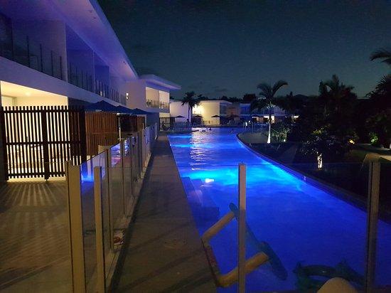 Pool Resort Port Douglas: TA_IMG_20170119_193256_large.jpg