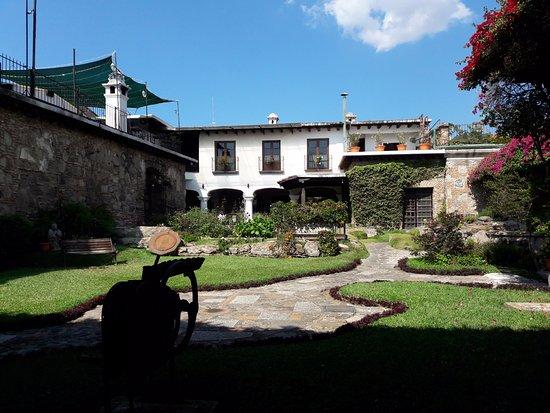 Hotel Posada de Don Rodrigo: Vista de la habitación hacia el patio central