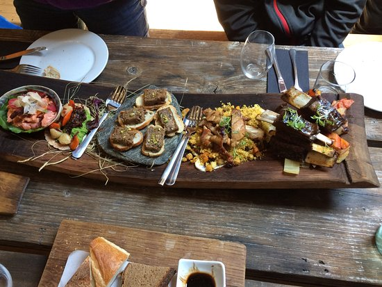 Queenstown Wine Trail: WIld Earth food and wine tasting