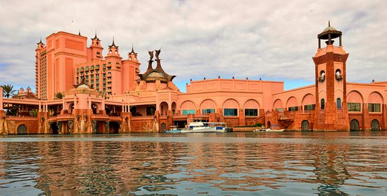 Atlantis, Royal Towers, Autograph Collection: Harbour side