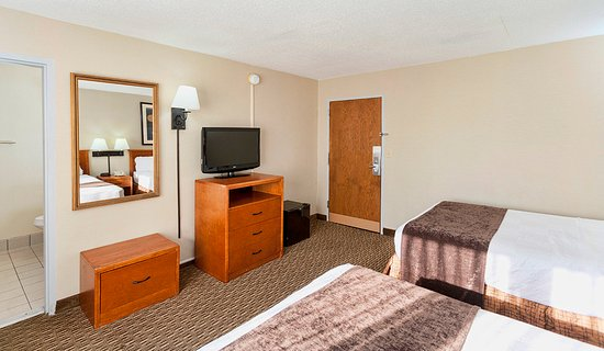 The Downtown Duluth Inn: Guest Room