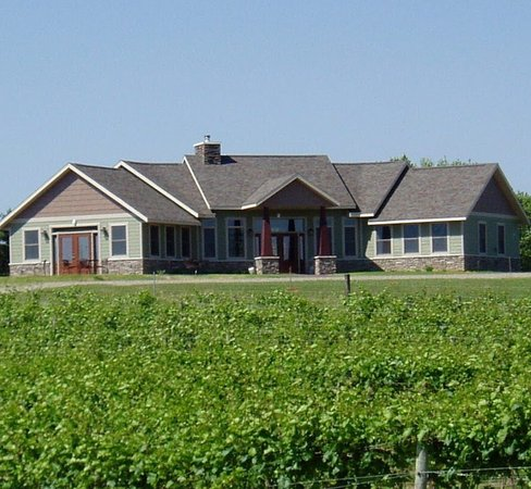 Sandstone Ridge Vineyard & Winery