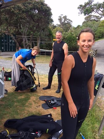 Getting organised for our dive with Ashleigh