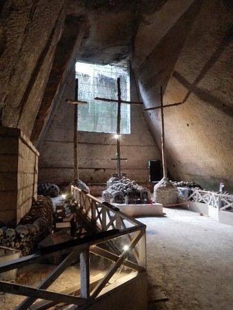 Cimitero delle Fontanelle: Il Calvario