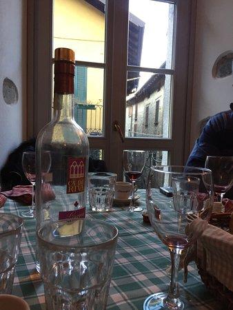 Molina di Faggeto Lario, Italien: Relax post prandiale
