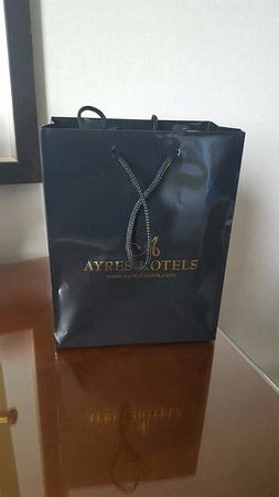 ‪‪Ayres Hotel Anaheim‬: Gift bag from hotel for being Expedia VIP‬