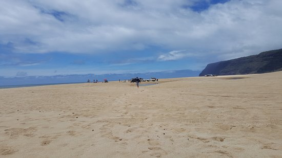 Polihale State Park: The beach goes on FOREVER