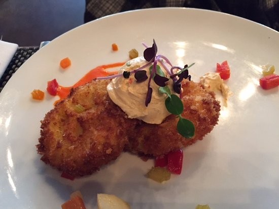Bethesda, MD: Fried Green Tomatoes appetizer