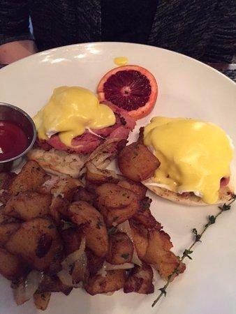 Bethesda, MD: Eggs Benedict