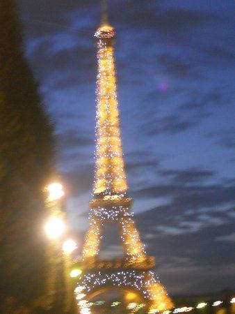 Fat Tire Tours Paris: eiffel tour at night
