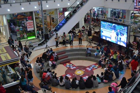 Centro Comercial Innovo Plaza: música y entretenimiento
