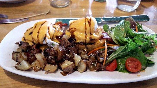Appleton, WI: Fried Green Tomato Benedict