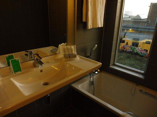 WestCord Art Hotel Amsterdam: Mini toiletries provided