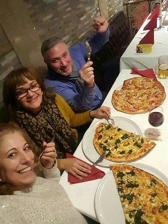 Pizzeria Milano: 20170119_204116_large.jpg