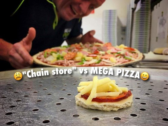 Lismore, Australia: The Difference between MEGA PizzA and Chain Store Pizzas ...😜
