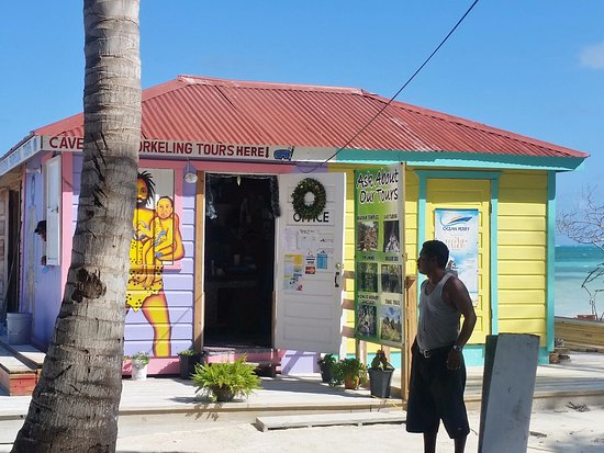 Caye Caulker, เบลีซ: Look for Caveman behind the Crafts Market near the north end of Front Street
