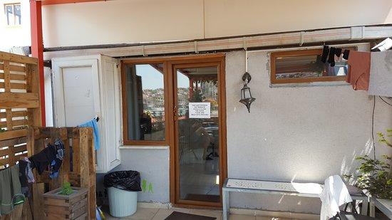 BellaVista Hostel & Cafe: Terrace