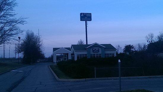 Elyria, OH: Carefree Inn