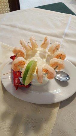 Tony's Mar: Cóctel de Camarones  Camarones Empanizados  Almejas Al Ajillo  Recomiendo que pidan las almejas