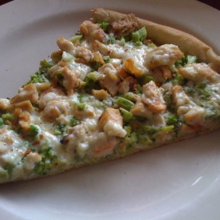 Yardley, PA: Chicken and Broccoli Pizza