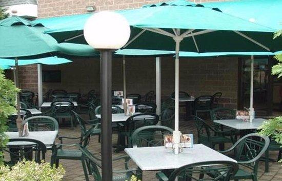 Plainsboro, Nueva Jersey: Enjoy Outdoor Dining
