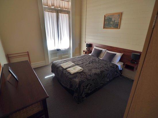 Glen Innes, Australia: Great Central Hotel queen room